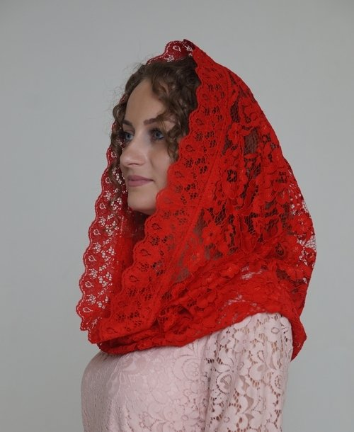 Платок на Пасху красный