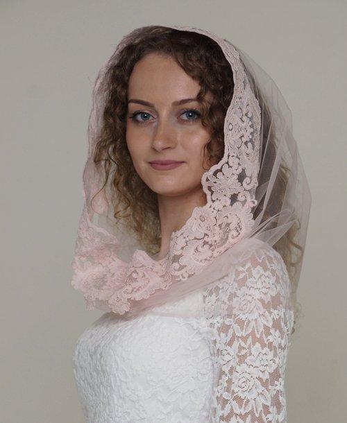 Платок розовый на венчание