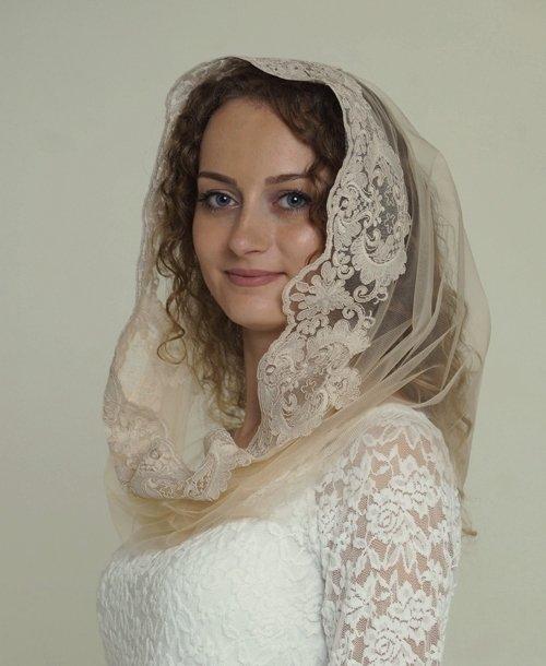 Венчальный платок капюшон