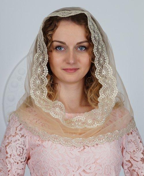 Снуд золотистый на венчание