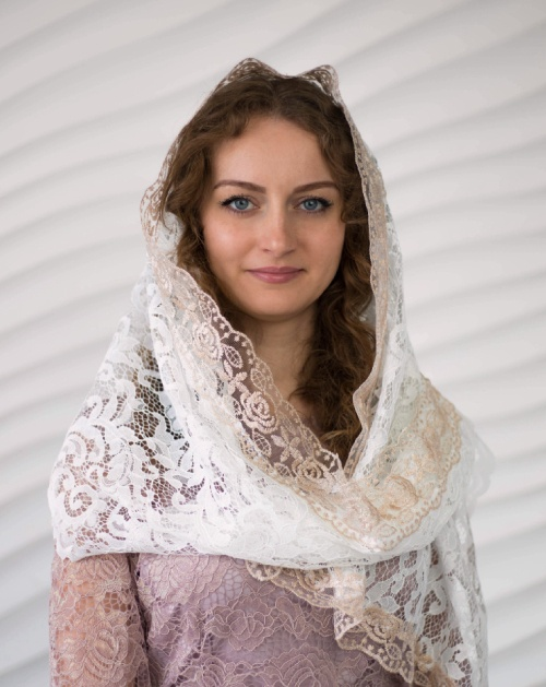 Белый кружевной платок