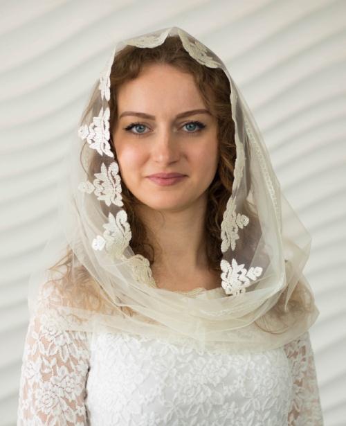 Фатиновый венчальный снуд